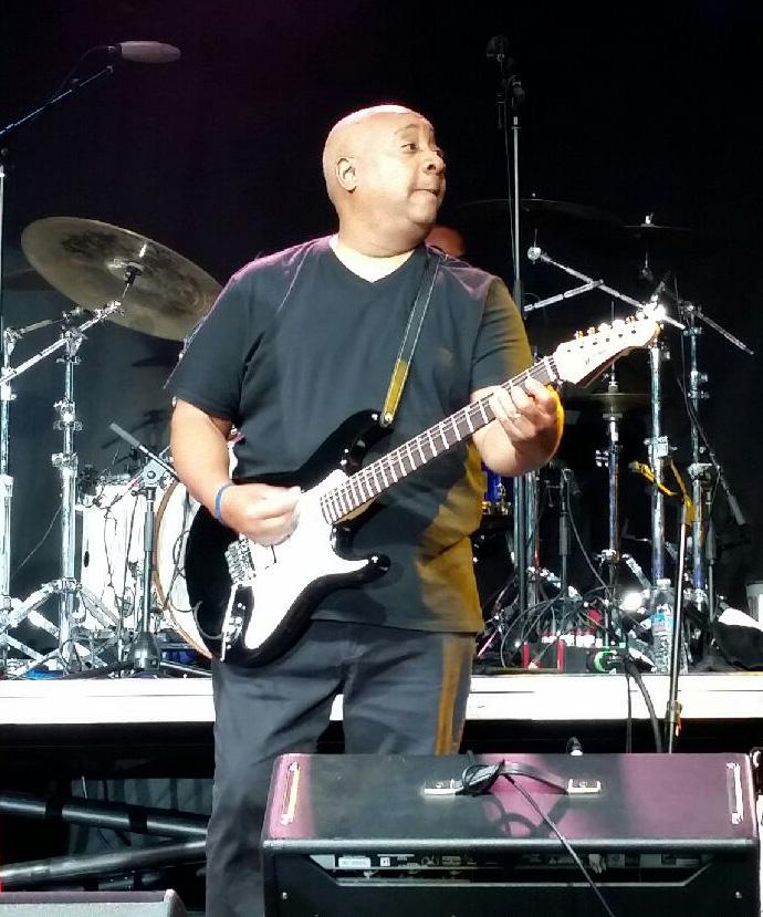 Darren Daughtry Mitchell Guitars TD400